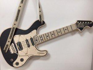 Woodrocker - Luftgitarre aus Holz